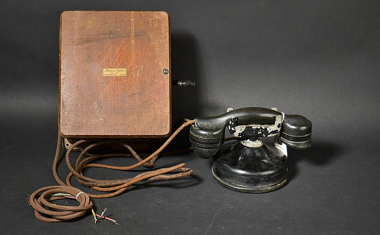 "VINTAGE AMERICAN ELECTRIC CO. INC. # ""7"" MONO PHONE WITH AMERICAN ELECTRIC CO. INC. OAK MAGNETO SUBSET (UN NUMBERED)"