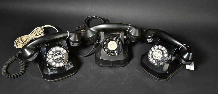 (3) DIFFERENT VINTAGE AUTOMATIC ELECTRIC CO. PLASTIC DESK TELEPHONES