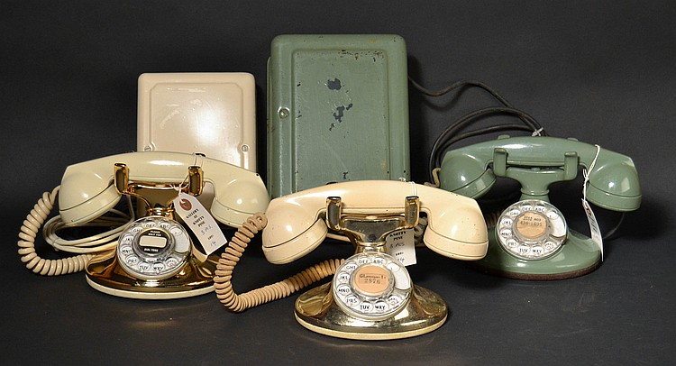 "(3) DIFFERENT VINTAGE WESTERN ELECTRIC ""REVIVAL"" TELEPHONES"