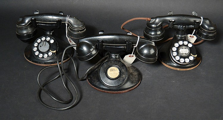 (3) DIFFERENT VINTAGE WESTERN ELECTRIC METAL DESK TELEPHONES