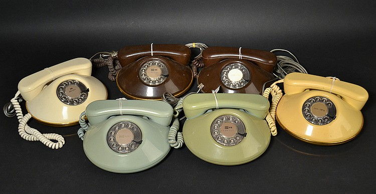 "(6) MISC. VINTAGE NORTHERN TELECOM COLORED HARD PLASTIC ""DAWN"" DESK TELEPHONES WITH ROTARY DIALS"