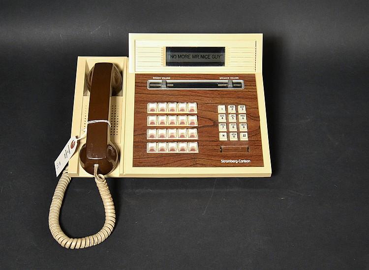 VINTAGE STROMBERG CARLSON TOUCHTONE SPEAKER TELEPHONE WITH TRANSLUCENT BASE