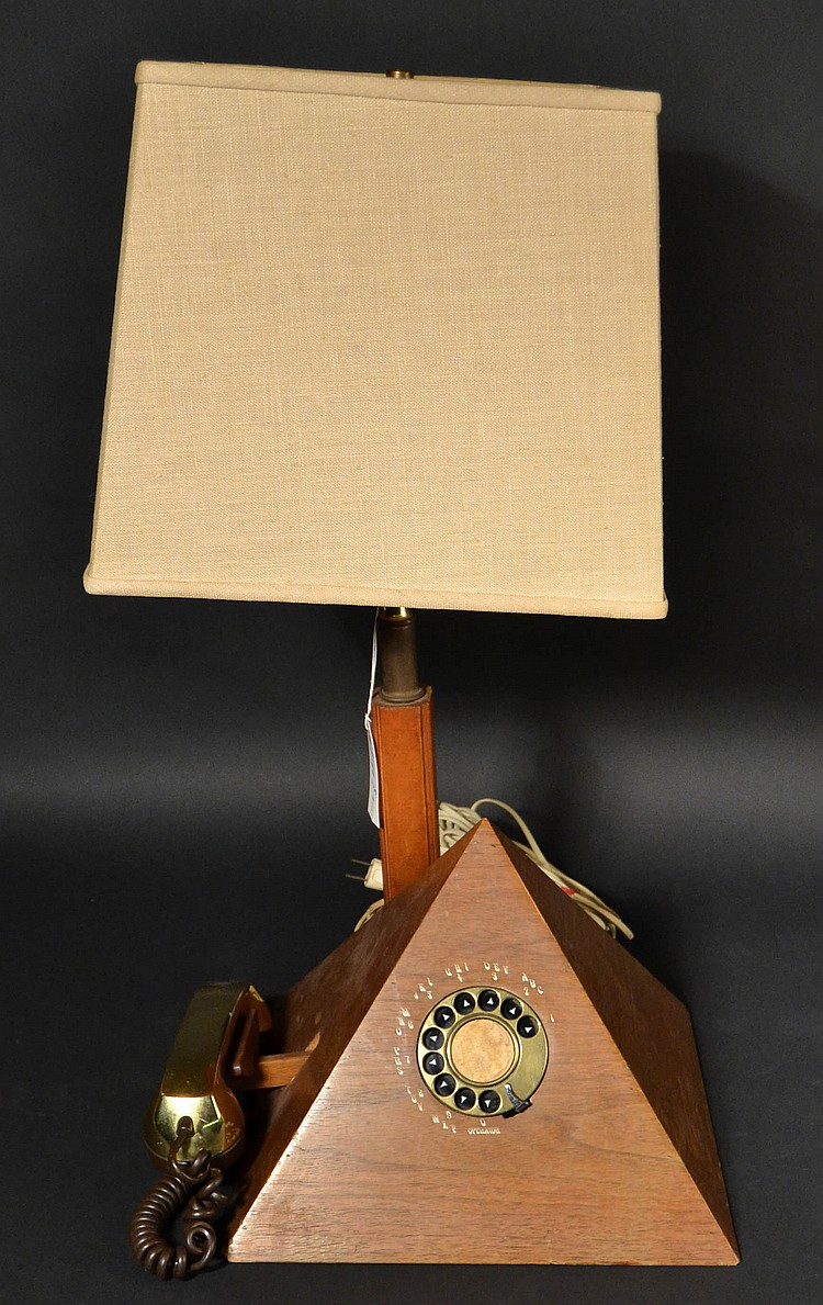 VINTAGE WOODEN PYRAMID TABLE LAMP TELEPHONE