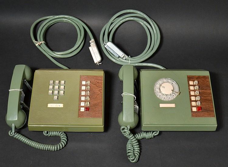 """(2) VINTAGE ITT """"CORINTHIAN"""" KEY SET TELEPHONES"""