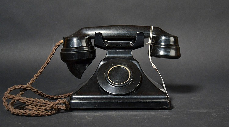 "VINTAGE G.P.O. BRITISH PLASTIC DESK TELEPHONE MARKED ""162CB"" - WITH HANDSET MARKED ""164"""