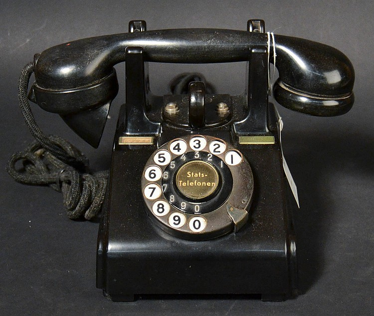 "VINTAGE DANISH STATSTELEFONEN PLASTIC DESK TELEPHONE - WITH TALL CRADLE & TOTE RING ETC. - ACTUAL PHONE USED ON THE MOVIE SET FOR THE FILM ""SHUTTER ISLAND"" - WITH RENTERS STICKER ON BOTTOM"