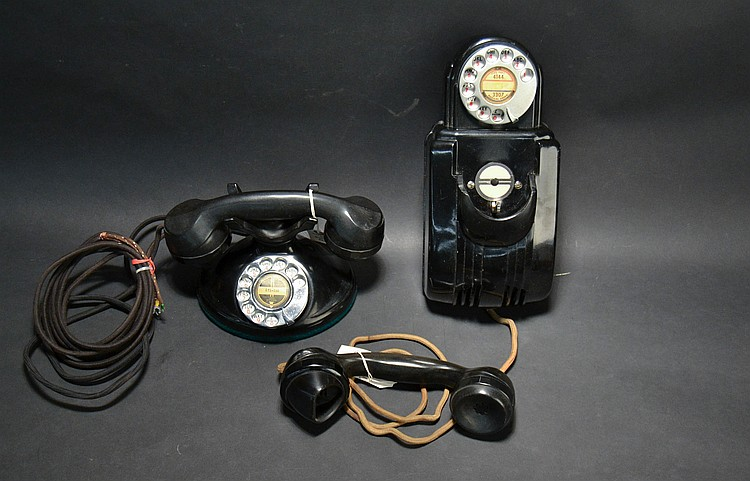 (2) DIFFERENT VINTAGE STROMBERG CARLSON PLASTIC TELEPHONES