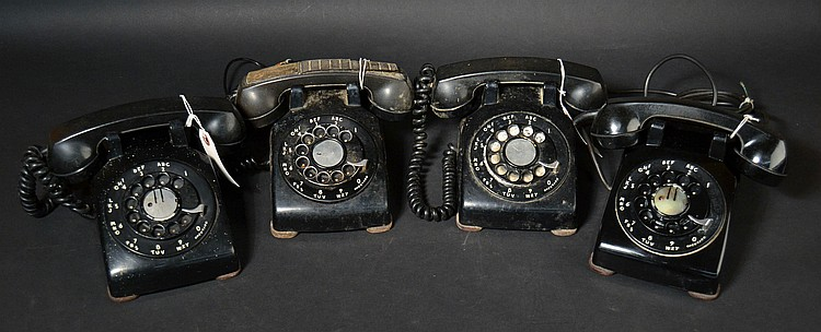 "(4) DIFFERENT EARLY PRODUCTION - WESTERN ELECTRIC MODEL ""500 D"" BLACK PLASTIC ROTARY DESK TELEPHONES"