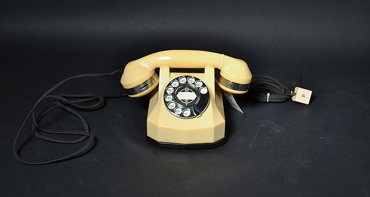 "VINTAGE AUTOMATIC ELECTRIC IVORY PLASTIC ROTARY TELEPHONE - MODEL ""40"" WITH CHROME TRIM AND CLOTH CORDS"