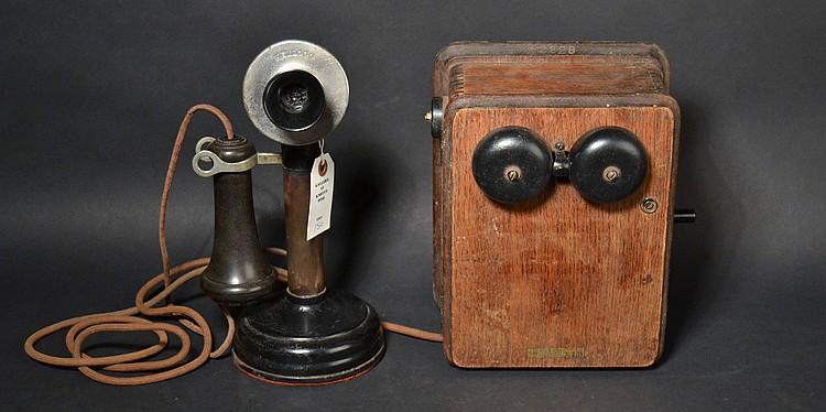 VINTAGE KELLOGG CANDLESTICK TELEPHONE WITH KELLOGG OAK MAGNETO SUBSET - UN NUMBERED