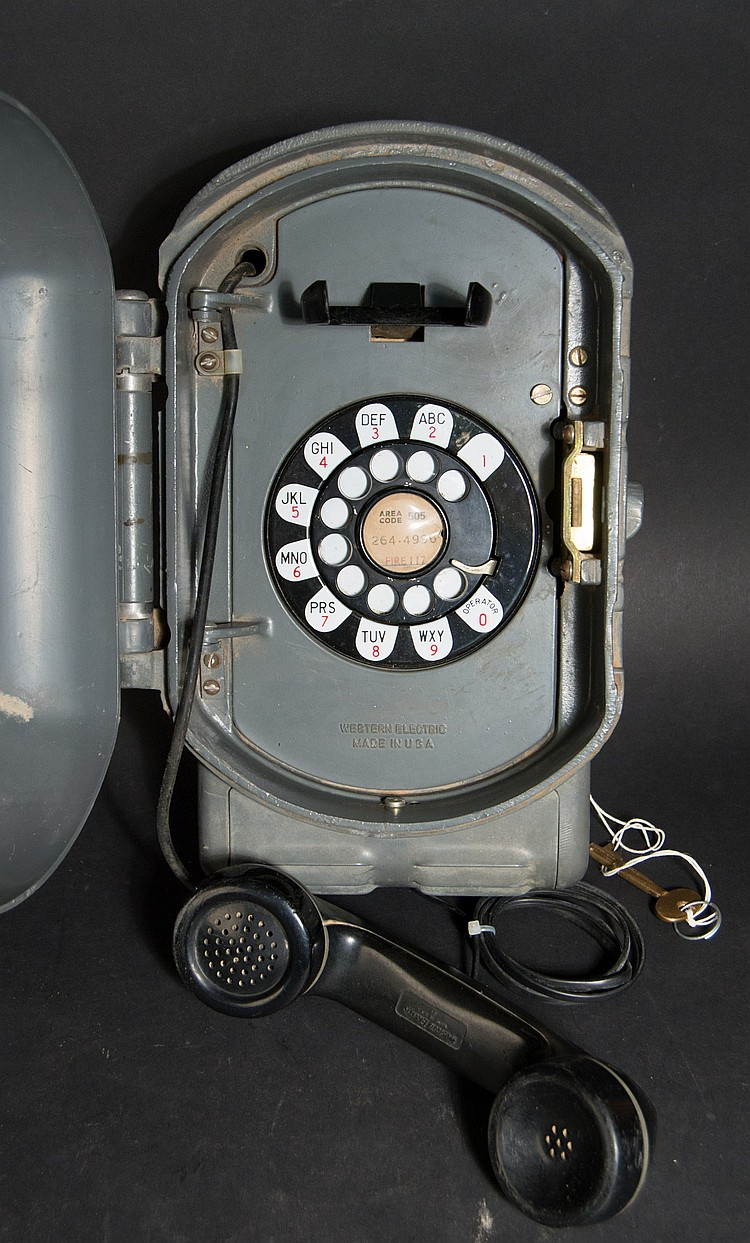 "VINTAGE WESTERN ELECTRIC METAL CASED OUTDOOR ROTARY TELEPHONE MODEL ""525BW"""