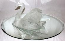 Lalique Crystal Swan with Fitted Mirrored Base