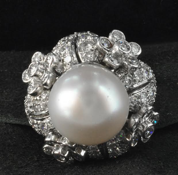 Beautiful 1960's Cultured Pearl & Diamond Ring