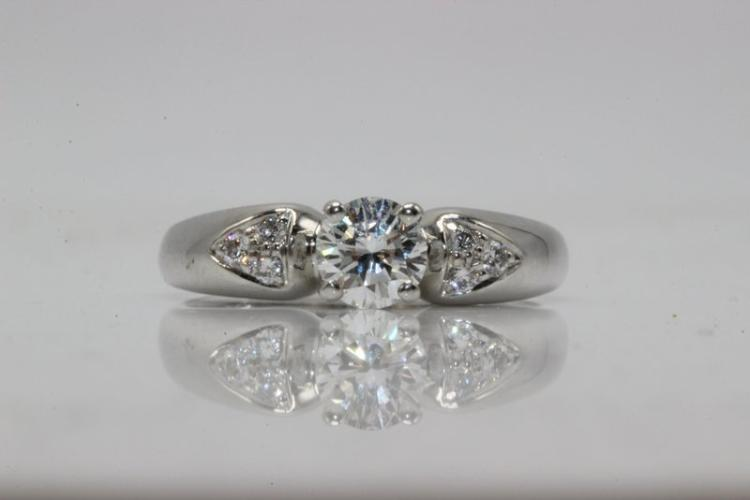 Van Cleef Platinum 0.45ct. Diamond Ring