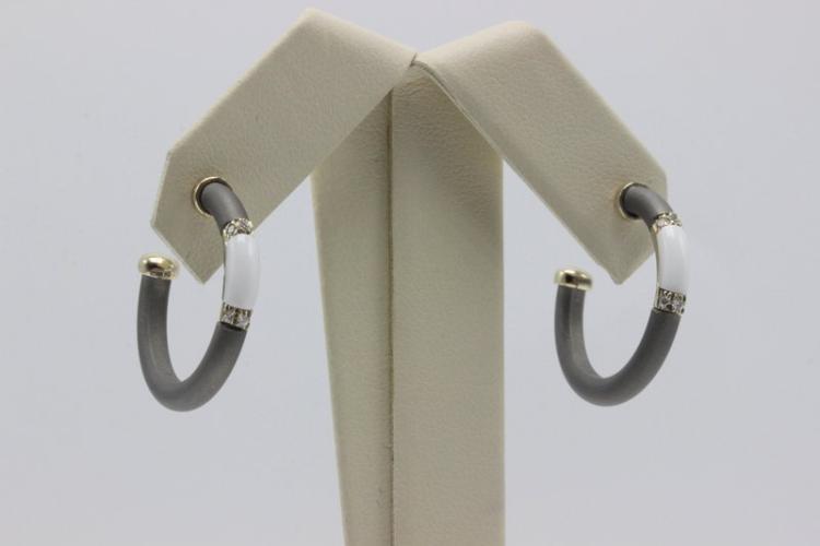 Chantecler 18Kt YG Tridacna & 0.10ct. Diamond Earrings
