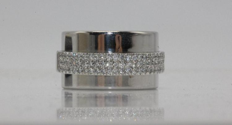 Aspreay of London 18Kt WG 0.40ct. Diamond Ring