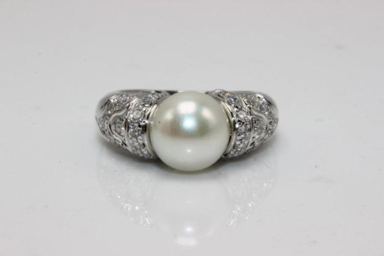 Bvlgari 18Kt WG 0.40ct. Diamond & Pearl Ring