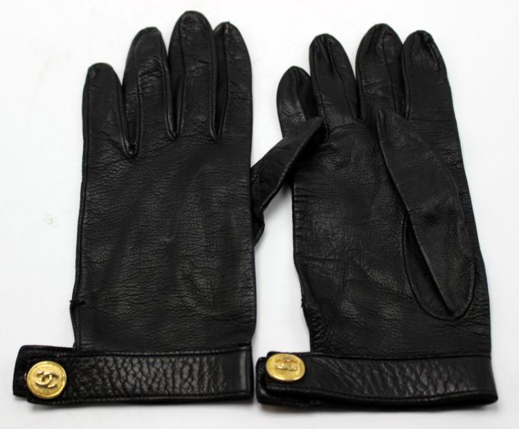Chanel Vintage Black Leather Gold CC Gloves