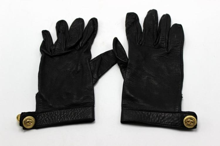 Chanel Vintage Black Leather Gold CC Gloves