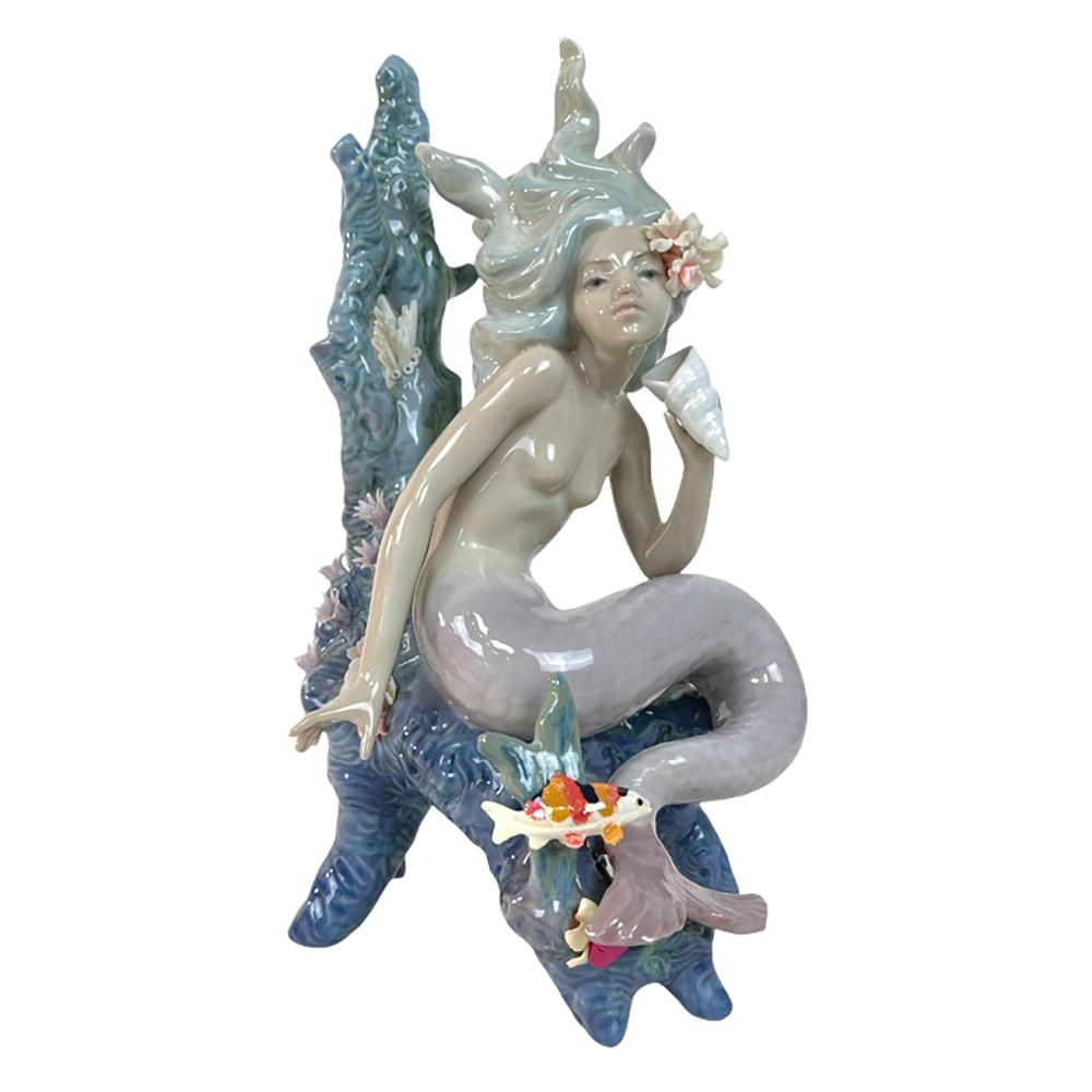 """Lladro Spain """"Ocean Beauty"""" Porcelain Figure 5785"""