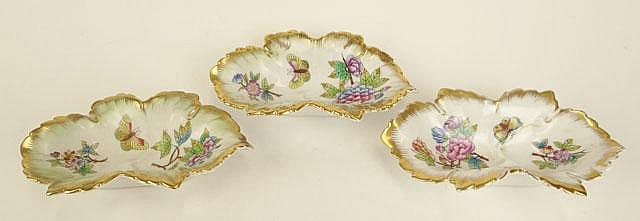 Set of Three (3) Herend Porcelain Butterfly Nut Dishes or Trinket Trays with Gilt Decoration. Two (2) of the Three (2) with Green Tint and the Remaining All White. Signed Blue Backstamp and Incised Herend and Number 7724. Rubbing or else Good to Very