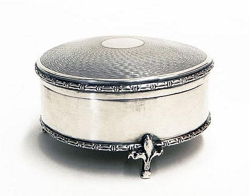 Early 20th Century Birmingham, England Mappin and Webb Sterling Silver Circular Vanity Box Mounted on Tripod Feet. Circa 1911. Signed with Hallmarks Indicating Mappin and Webb. Hinge Separated, a Minor Crease or Two, but Overall Good Condition. I