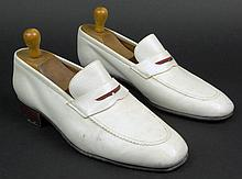 Man's Vintage Pair of Italian Gucci White Calfskin Loafers. Signed. Good Used Condition with trees. European Size 41 (US Size 8). Shipping $44.00