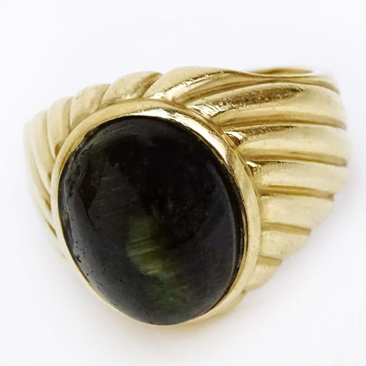Vintage Cabochon Black Cat Eye and 14 Karat Yellow Gold Ring