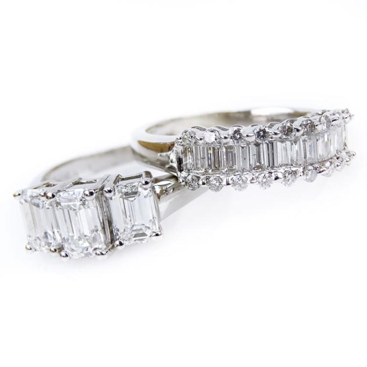 Diamond and 18 Karat White Gold Wedding Set Including a Superb 2