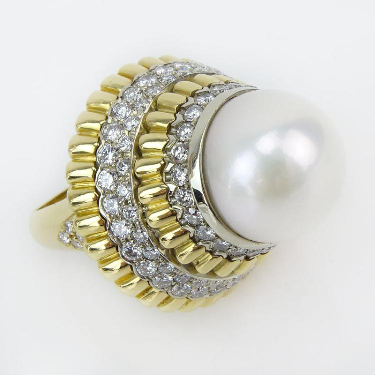Very Fine Vintage Van Cleef & Arpels Pearl, Round Brilliant Cut Diamond and 18 Karat Yellow Gold Ring