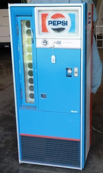Vendorlator Pepsi Machine VF 90/10 with Key