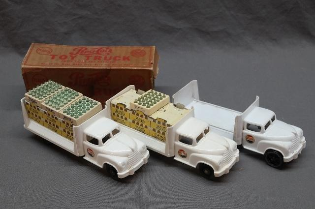 Marx Pepsi Cola Delivery Truck in Original Box with Crates + 2 Additional Trucks