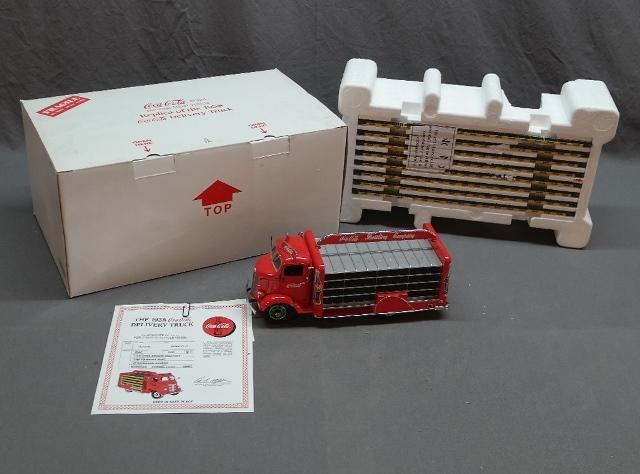 Danbury Mint  1938 Coca Cola Delivery Truck in Original Package and Certificate
