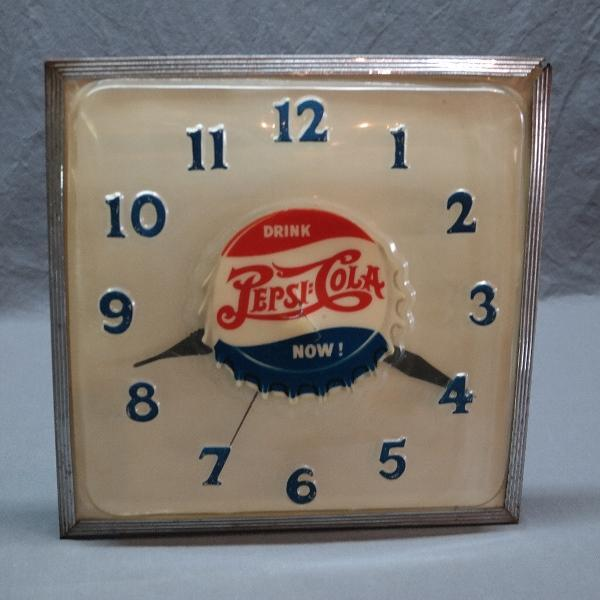 1947 Pepsi Cola Bottle Cap Blowform Face Clock