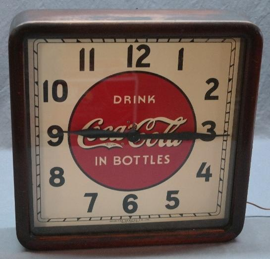 1939 Wood Cased Drink Coca Cola in Bottles Clock