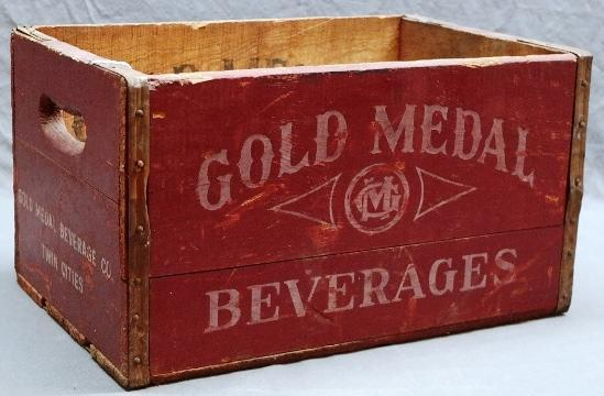 Gold Medal Beverages Wood Crate- Great color!