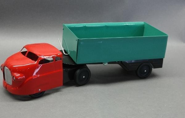 Wyandotte Express Company Side Dump Truck- Restored