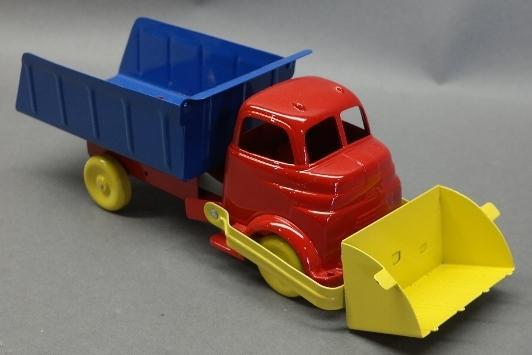 Wyandotte Cab Over Truck with Front Scoop