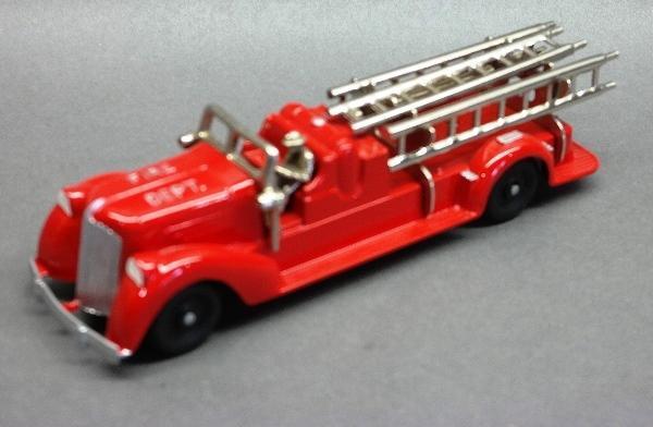 Hubley Ladder Truck 473 with Nickel Driver- restored