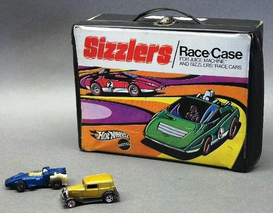 1970 Hot Wheels Sizzlers Carrying Case with 2 Red Line Cars