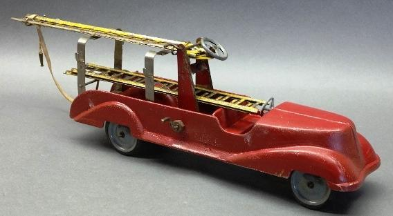 Fire Aerial Ladder Hose Truck- Cast Aluminum with Extending Ladder