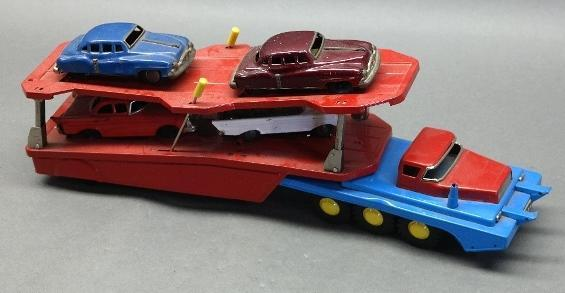 Japan Tin Litho Car Carrier with 4 Friction Cars