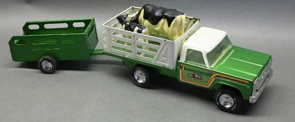 Nylint Farms Stake Side Pick Up Truck with Trailer and Cow