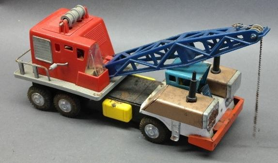 Japan Tin Litho  and Plastic Crane Friction Truck