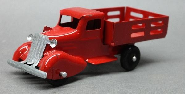 Wyandotte or Marx Stake Side Pick Up Truck with Rooster Comb- Restored
