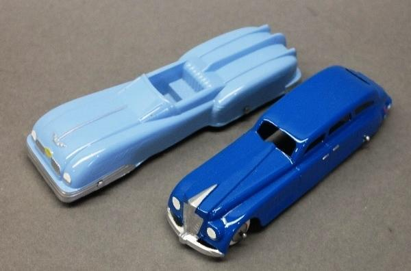 Lot of 2 Tootsie Toy Cars-Future Convertible & Blue Station Wagon