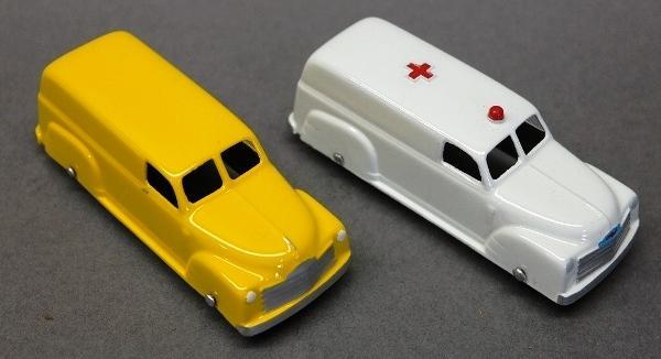 Lot of 2 Tootsie Toy Deliver Van & Ambulance