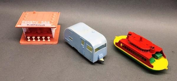 Plasticville Frosty Bar, Tootsie Toy Camper and and Ferry boat