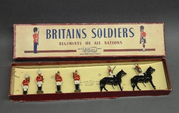 Britains soldiers Regiments of All Nations in Original box