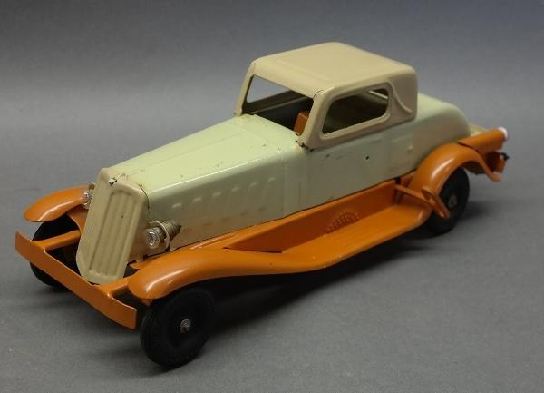 Girard Headlight Version Coupe with Luggage Rack and tail light